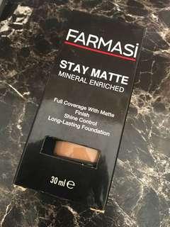 Farmasi Stay Matte Foundation #05