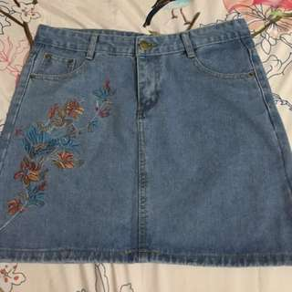 Skirt with Floral Embroidery