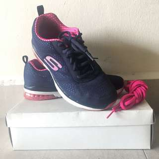 US Skechers Air-cooled