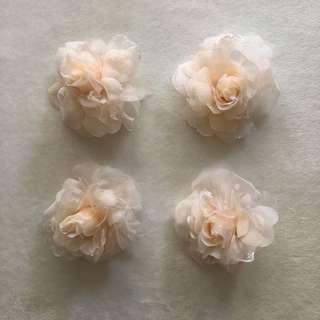 Bridesmaid wrist flowers 伴娘姊妹手花