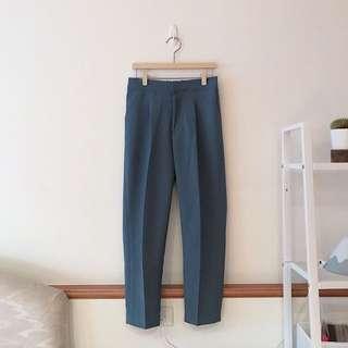 挺版燙線直筒西裝褲(柔和藍)
