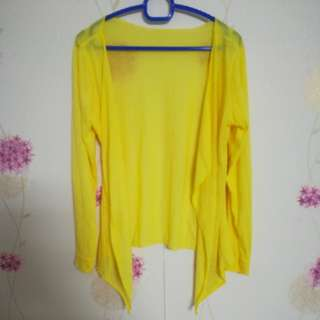 Yellow Cardigan (unbutton)