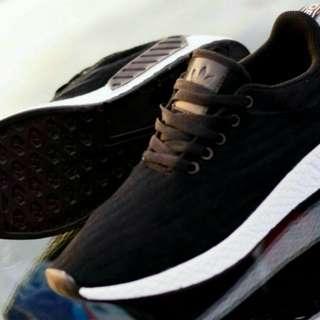 Sepatu Adidas nmd R2