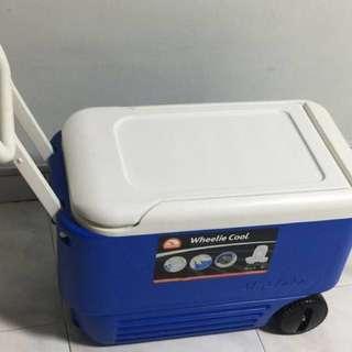 Igloo Cooler Box (Wheelie)