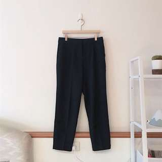 Net品牌 打褶寬直筒褲(深黑藍)