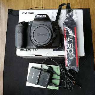 Canon 7D body Used