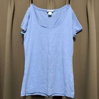 H&M's 水藍色上衣