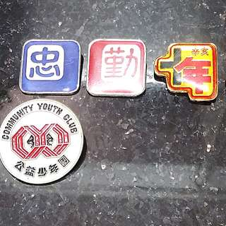 學校社章-襟章