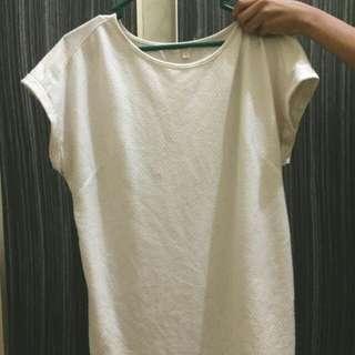 Kaos putih