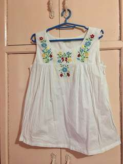 JUST G WHITE EMBROIDERED TOP