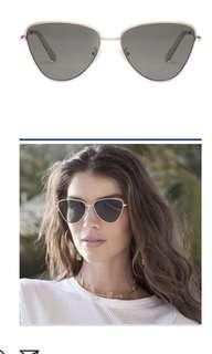 Le specs echo in matte gold sunglasses