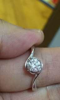 🈹️周大福18k金鑽石戒指 半卡 原價$38000 蝕讓價$14800