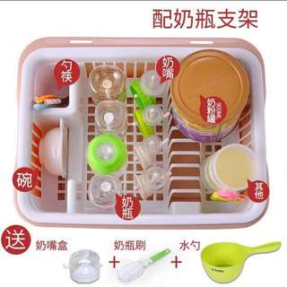 Baby bottles bin cutlery boxes of eating supplies milk powder box dust with cover dry hanging rack