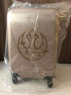 "Starwars 20"" luggage"