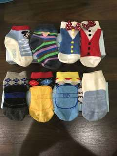 Preloved baby socks mickey and petite mimi for 0-12 months. Total 8 pcs