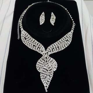 Elegant Necklace and Earrings Set