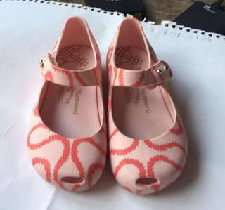 Kids Shoes 95% New Size: EUR 24