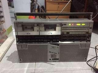 Tape boombox sharp
