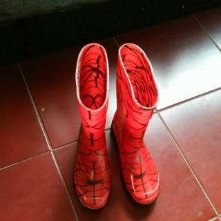 Sepatu boot karet spiderman