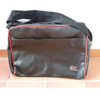 Skechers Sling Back Messenger Bag (Good As New) [jr] (RP-79.00)