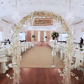 Wedding decor in fullerton hotel customised wedding walkin rustic arch and ballroom decor