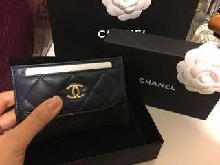 Love this new season🤩🤩🤩🤩sharing chanel calf leather 2018 collection card holder