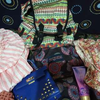 Bundle!😍FOREVER 21, VICTORIA SECRET, JANSPORTS AND CLOTHES. ALL ORIGINAL FROM US💯 RFS: too much bags and stuffs