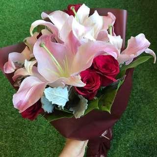 Flower - Romantic Lily Bouquet