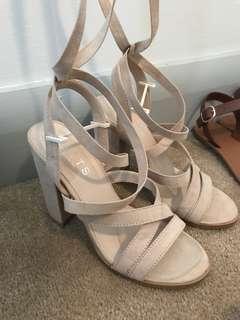 Size 6 nude heels
