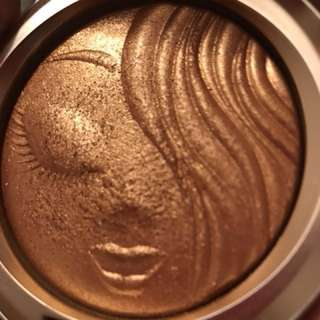 MAC AUTHENTIC MARIAH CAREY HIGHLIGHTER (price reduced)