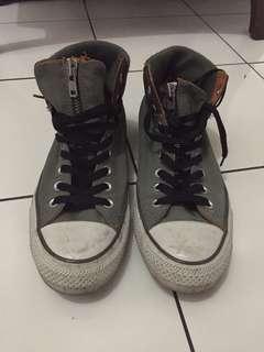 Sepatu Converse (Original)