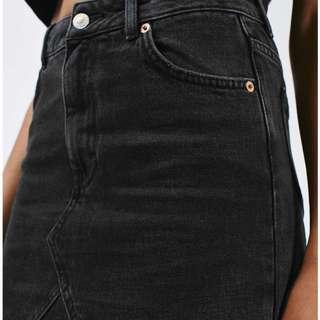 H&M straight cut black jean skirt