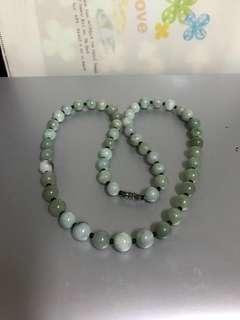 細粒翠綠圓珠頸串
