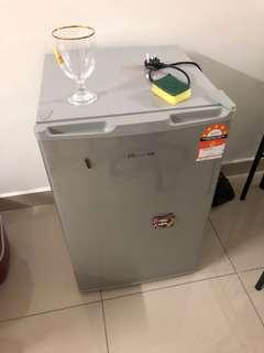 Fridge/ Freezer/ Refrigerator