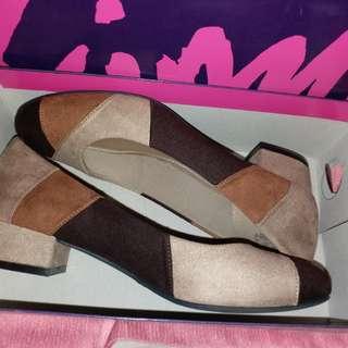 Fioni Shoes Brown Colour