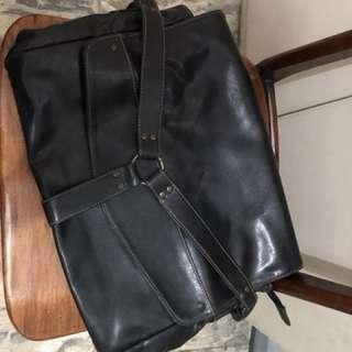 Memo leather shoulder bag