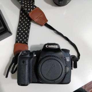 Canon 70D 2 batteries, 2 lenses