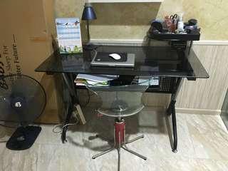 Meja kerja kaca + kursi