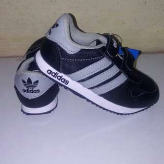Sepatu Anak Adidas