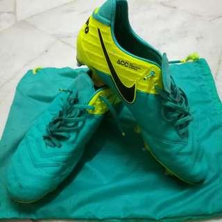 Nike Tiempo SG