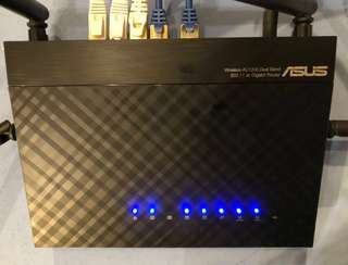 Asus Router Ac1200. Good working condition.
