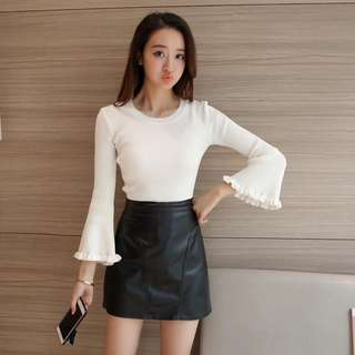 Solid Coloured Crew Neck Scallop Bell Sleeves Knitted Top
