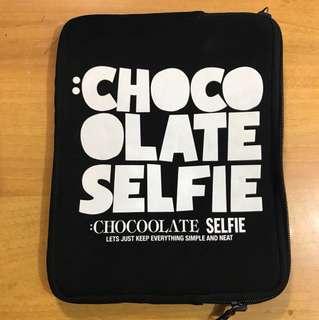[志在清屋企] Chocolate 波點IPad 袋