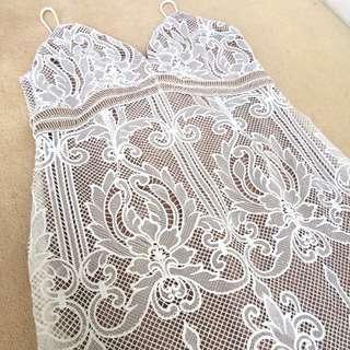 Fresh Soul white lace dress