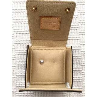 Louis Vuitton   18K Gold Earring & LV Case