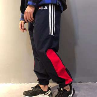 Fila 衛褲in navy or white