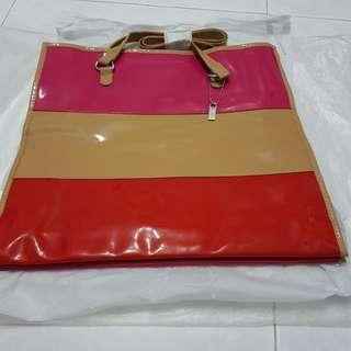 ELIZABETH ARDEN Red, Pink & Brown Bag