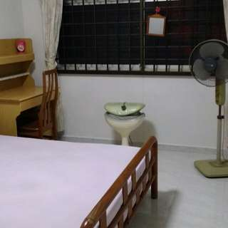 CHOA CHU KANG 4 ROOM FLAT CORRIDOOR ROOM FOR RENT!