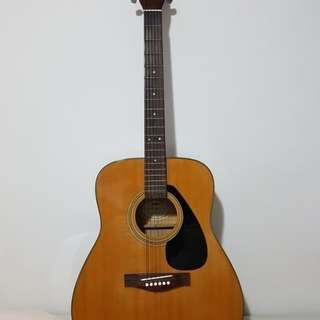 Yamaha F340 acoustic guitar