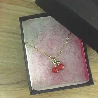 日本飾品店購入的櫻桃項鍊